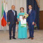 Лучшим выпускникам Елабуги вручили медали «За особые успехи в учении» (фото)
