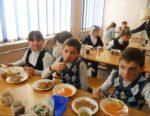 Открыта «горячая линия» по вопросам общественного питания в общеобразовательных и дошкольных учреждениях