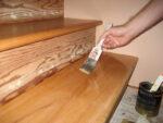 Какой лак выбрать для покрытия лестницы в частном доме