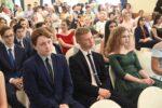Глава Елабужского района вручил медали отличникам учёбы