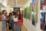 Художники лаборатории BASHNYA в Елабуге представили работы на выставке «Свадебный переполох»