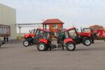 В Елабуге семь тракторов станцевали татарский танец в честь Дня машиностроителя