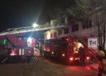 В Елабуге из заполненной дымом квартиры пожарные спасли женщину