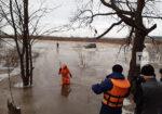 В Елабужском районе помогли рыбакам, чью машину ночью отрезало водой от берега