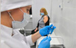 Во всех регионах России заработает запись на вакцинацию от COVID-19 через Госуслуги